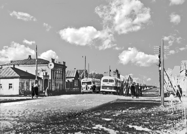Два автобусных маршрута г. Пугачева в 1956 году