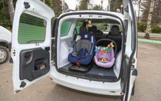 К чему готовимся? ФСИН презентовала автозаки для перевозки матерей с детьми