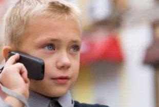 Школьникам запретят использовать смартфоны при дистанционном обучении