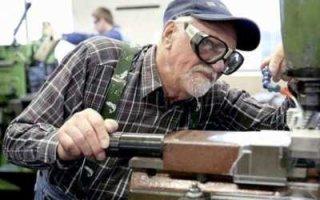 Власть снова не поддержала индексацию пенсий работающим пенсионерам