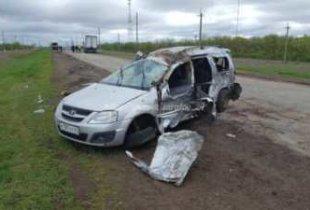 На трассе в Пугачевском районе перевернулся автомобиль