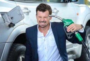 """В стране начался """"неконтролируемый"""" рост цен на топливо"""