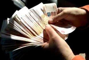 Чиновникам хотят повысить зарплату
