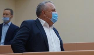 """Короткие штанишки"" депутата Артёмова"