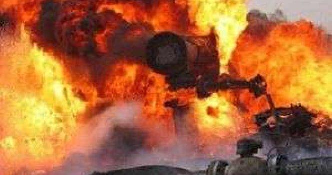 Под Энгельсом горит нефтепровод