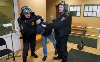 В Пугачеве задержан неоднократно судимый мошенник