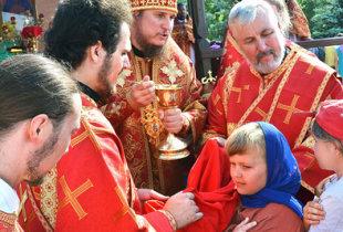 Праздничный молебен у святого источника