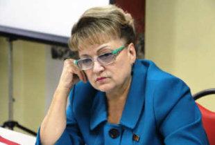 """О. Алимова: """"Экономические проблемы напрямую зависят от внутренней политики"""""""