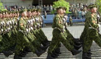 """Сотрудник военкомата дал женщинам """"дельный"""" совет к 8 Марта"""