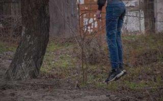 Виновника ДТП нашли повешенным на дереве