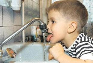 Воду из-под крана пить нельзя