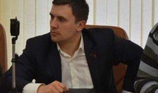 """В Саратовской области коммунисты """"делают"""" единороссов по всем фронтам"""