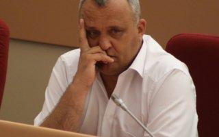 Павла Артемова заподозрили в скупке школьных футбольных полей в Балаково