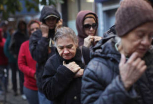 К концу года за чертой бедности окажутся 13% россиян