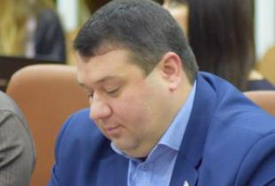 Денисенко предложил лишить депутатов облдумы зарплаты