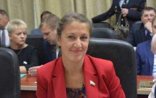 Седова назвала даты окончания учебного года в Саратовской области