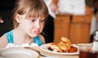 В. Есипов: В Москве детей будут кормить телятиной, а в Саратове шкурками от кур