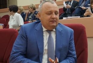 Депутат Артёмов и его поправка в Конституцию
