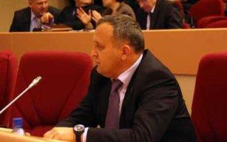 Журналистам не удалось найти организации, которые попросили П. Артемова остаться депутатом