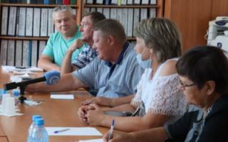 """Пугачевские предприниматели пожаловались Н. Панкову на """"Облводоресурс"""""""