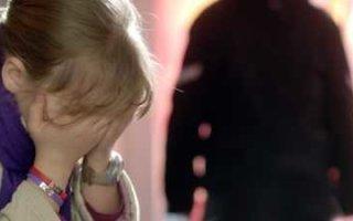 Житель Пугачева избежал срока за развратные действия с приемной дочерью