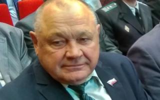 Экс-депутата облдумы Семенца оштрафовали и лишили прав за пьяную езду