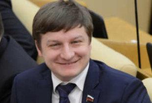 """Пламенный член """"ЕР"""" заявил, что самый тупой депутат умнее среднего россиянина"""