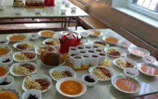 Во всех школьных столовых будут кормить одинаково