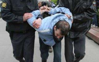 Глава района М. Садчиков привлек полицию для разгона одиночных пикетов