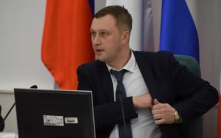 После выборов всем чиновникам Саратовской области решили поднять зарплату на 25%