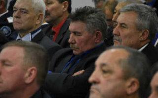 """Радаев рассказал """"об успехах"""" спящим депутатам и чиновникам"""