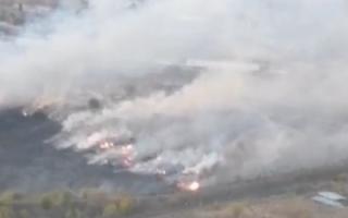 Пожар в поселке Емельяновский уничтожил сараи и сенники жителей