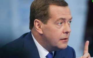 Д. Медведев пригрозил нефтяникам