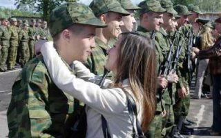Выходите девки замуж за солдат, за срочников!