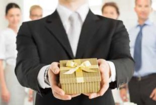Россияне берут кредиты, чтобы купить подарки