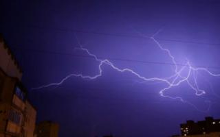 В Саратовской области ожидается мощный ливень и ураган