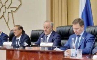 Саратовская область тратит на чиновников два миллиарда рублей в год