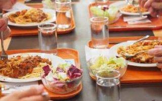 Массовые нарушения организации питания в школах и детсадах