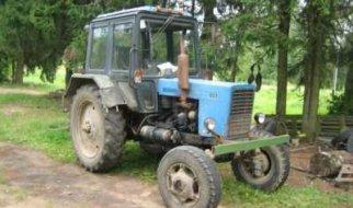 Угнанный у ивантеевца трактор нашли в Пугачевском районе
