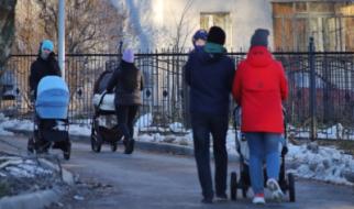 80% бедных россиян — семьи с детьми