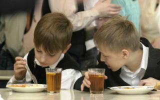 Роспотребнадзор: В школах области детям недодают калорий