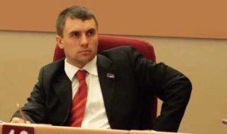 Задержание полицией в Саратове депутата-коммуниста Н. Бондаренко (видео)