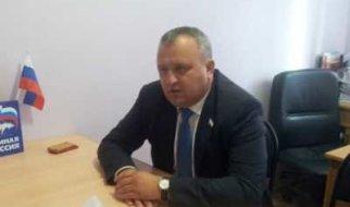 Депутат – аграрий Артемов покинул Пугачев?