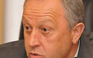 В. Радаев отказал  беременным, сиротам и вдовам в соцподдержке