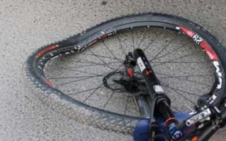 В Пугачеве водитель сбил велосипедиста и скрылся с места ДТП