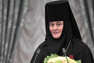 Не духом единым. Настоятельница монастыря купила автомобиль за 10 млн