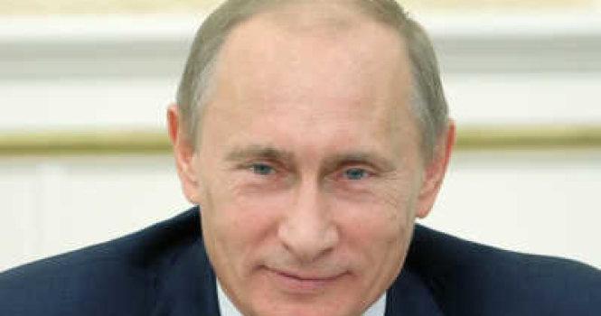 В. Путин попросил россиян не сердиться на него из-за маленьких зарплат