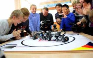 В школьную программу предложено ввести уроки робототехники