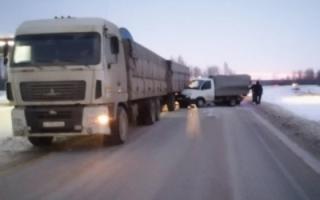 В Пугачевском районе пожилой водитель спровоцировал массовое ДТП