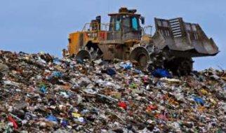 В Подмосковье жители перекрывают дороги к мусорным полигонам